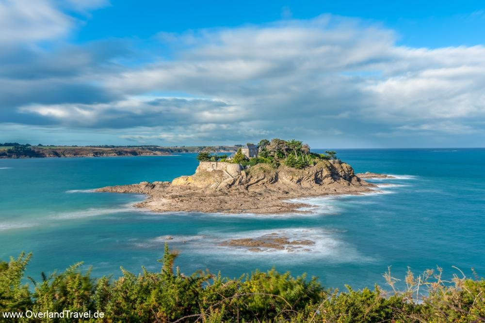 Küste der Insel des Fort du Guesclin