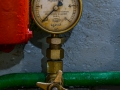 manometer at the generator