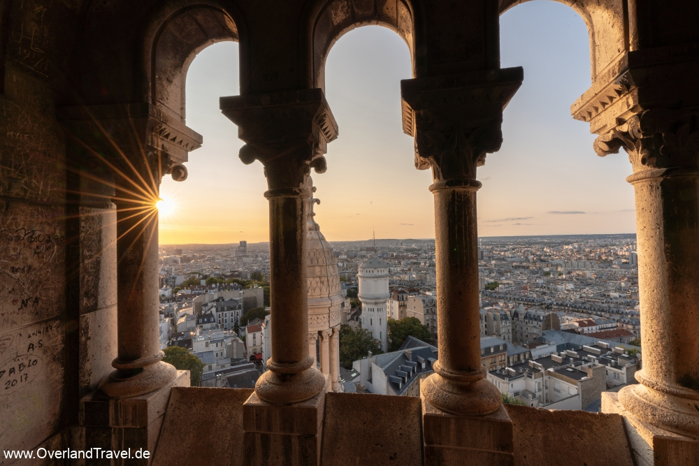 The perfect sunset view over Paris from the basilique Sacré-Cœur de Montmartre