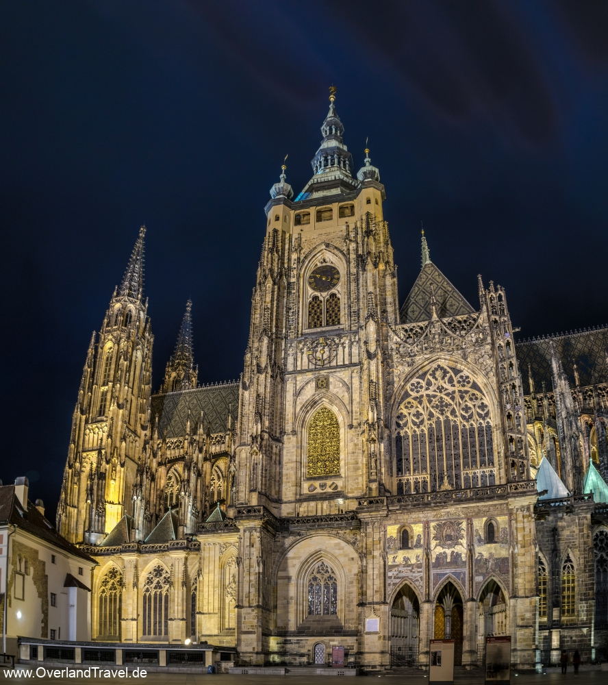 The St. Vitus Cathedral in the Prague Castle at night