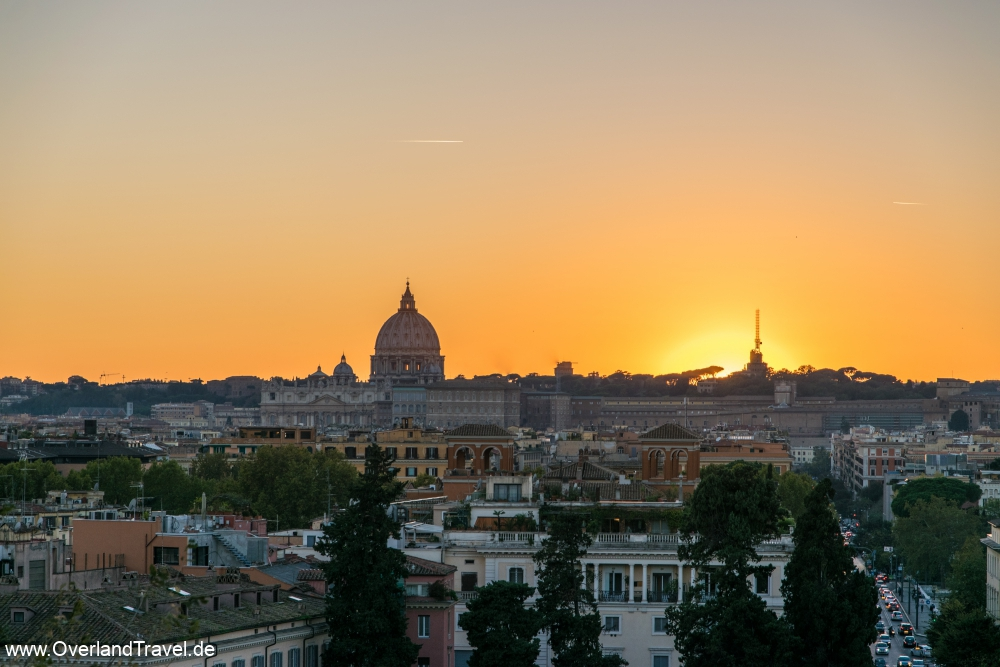 Sunset in Rome, view to the Saint Peter's Basilica