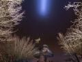 Der Teufelstisch in Rheinland Pfalz, Hinterweidenthal bei Nacht. Beleuchtet mit einem Lichtschwert (LED Taschenlampe)