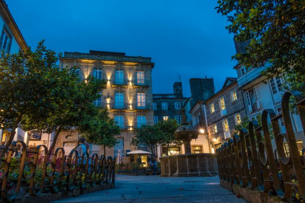 Santiago de Compostela night jakobsweg mountainbike