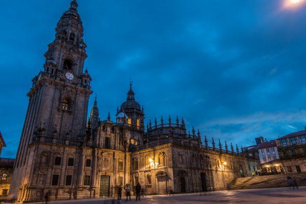 Santiago de Compostela night cathedral jakobsweg mountainbike