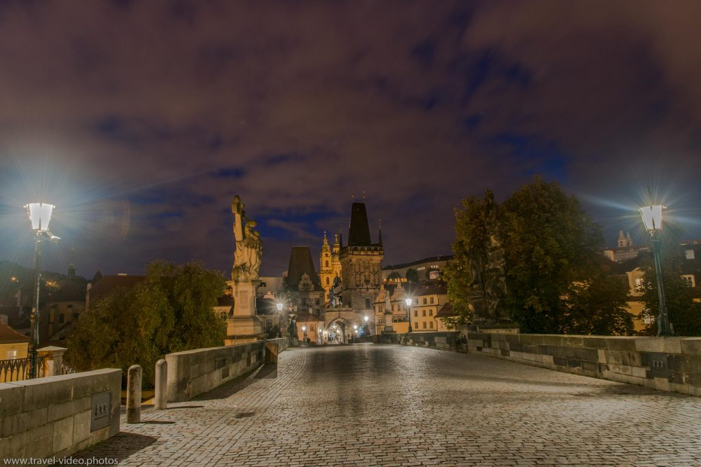 Prag Prague Blue Hour Available Light Karlsbrücke Charles Bridge Karlův most Malostranská mostecká věž Night