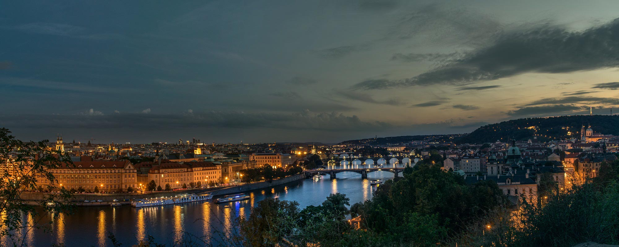 prag prague blue hour available light panorama night