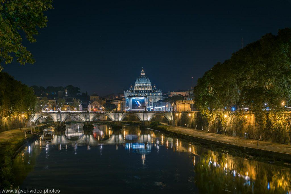 rome rom roma night blue hour tiber st peters basilica tiber