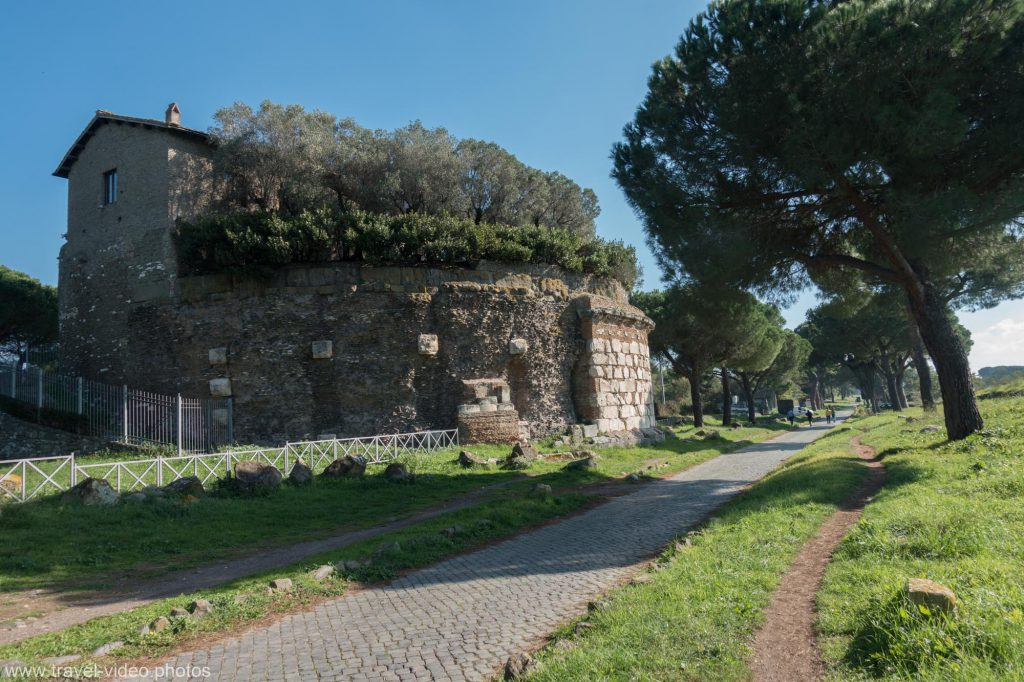 Cycling along the Via Appia Antica in Rome on single trails