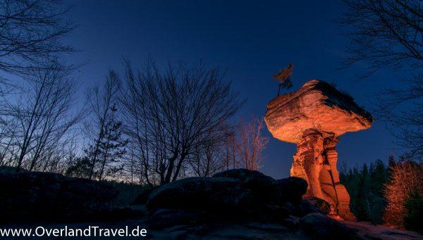 teufelstisch pfalz hinterweidenthal nacht sterne beleuchtet sonnenuntergang light painting